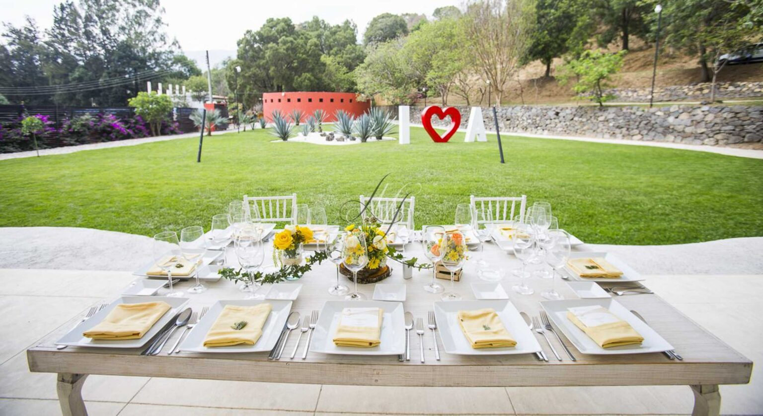 Tepotzotl n banquetes hada martens for Jardines bodas df