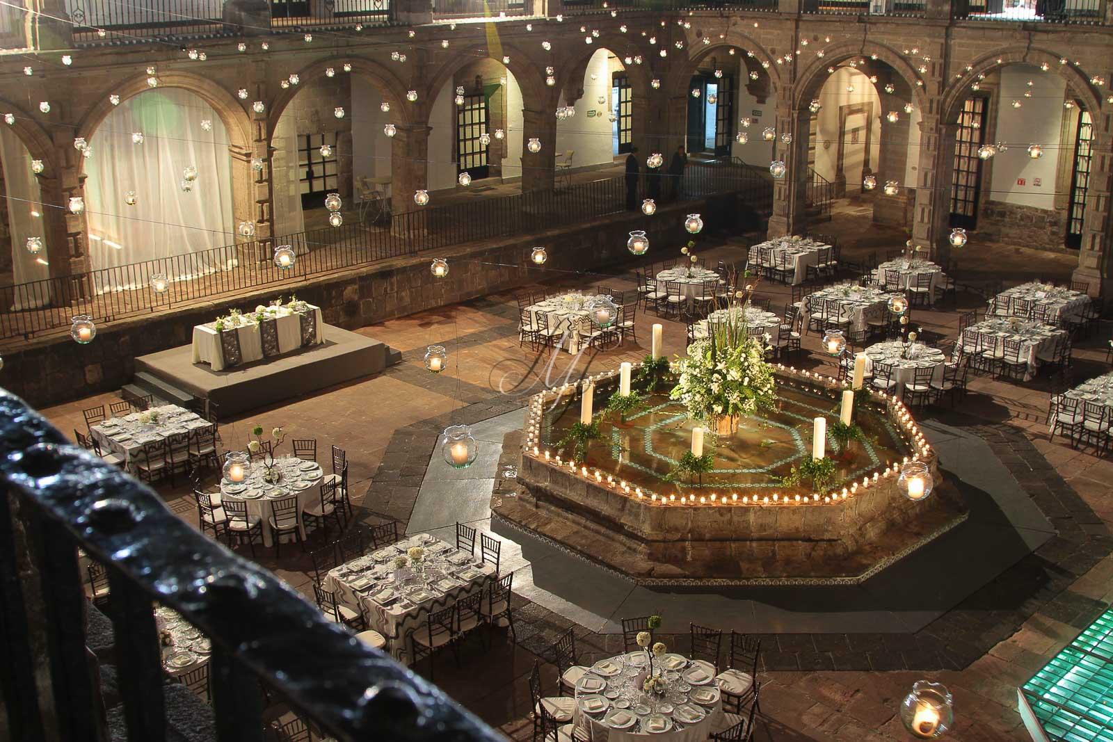 Bodas recintos ex convento san hipolito df2 banquetes for Jardines bodas df